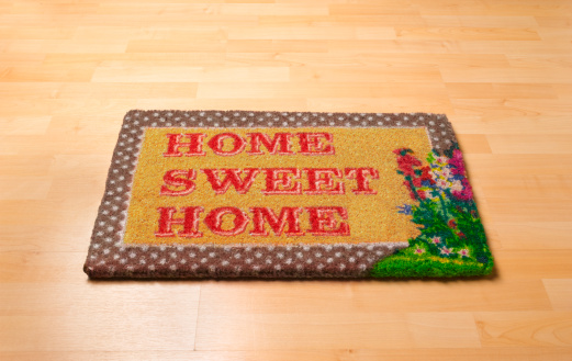 Home Sweet Home「Home sweet home doormat on wooden floor」:スマホ壁紙(10)