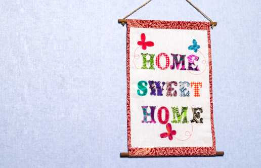 Embroidery「Home sweet home sign hanging on a wall」:スマホ壁紙(10)