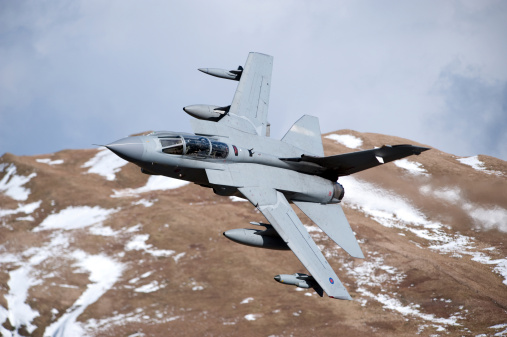 RAF「A Royal Air Force Tornado GR4 during low fly training in North Wales.」:スマホ壁紙(16)