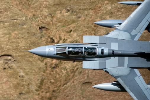 RAF「A Royal Air Force Tornado GR4 during low fly training in North Wales.」:スマホ壁紙(12)