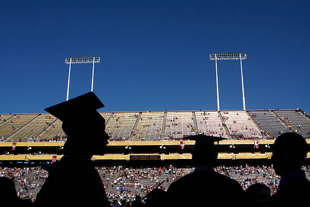 Obama Gives Commencement Address At Arizona State University:ニュース(壁紙.com)