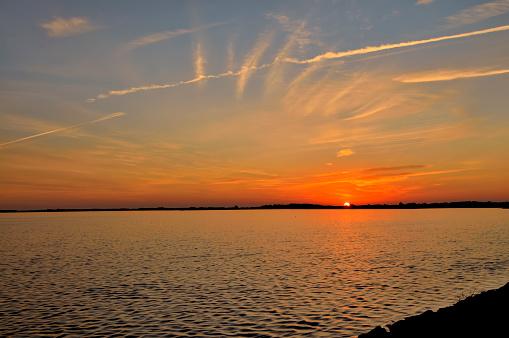 オーシャンシティー「夜明け Asssateague 湾」:スマホ壁紙(6)