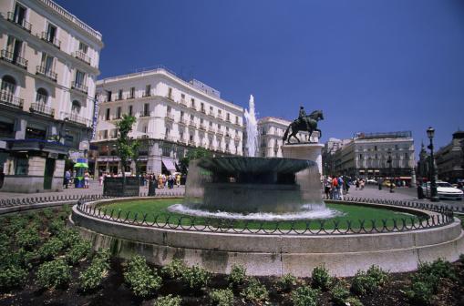 Boulevard「Puerta del Sol in Madrid」:スマホ壁紙(7)