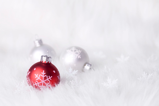 Fur「Snowflake Baubles on a fluffy background (XXL)」:スマホ壁紙(12)