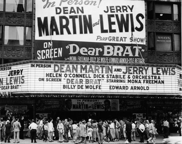 Film Industry「In Line To See Martin & Lewis」:写真・画像(11)[壁紙.com]