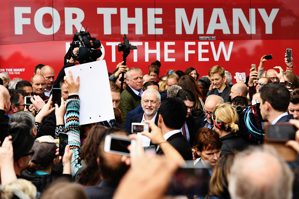 Leon Neal「Jeremy Corbyn Launches The Labour Party Election Manifesto」:写真・画像(12)[壁紙.com]