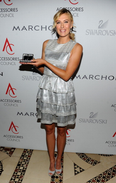 Sleeveless Dress「2010 ACE Awards Presented By The Accessories Council - Red Carpet」:写真・画像(2)[壁紙.com]