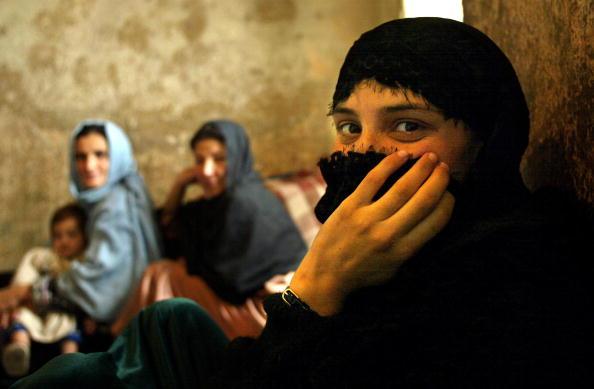 Waiting「Afghan Female Prisoners In Kabul Wait For Release」:写真・画像(10)[壁紙.com]