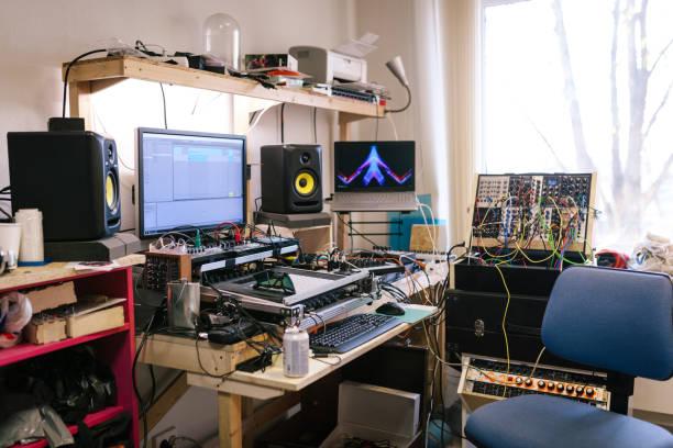 Empty home music studio:スマホ壁紙(壁紙.com)