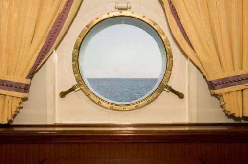 Cruise - Vacation「Port hole on cruise ship」:スマホ壁紙(1)
