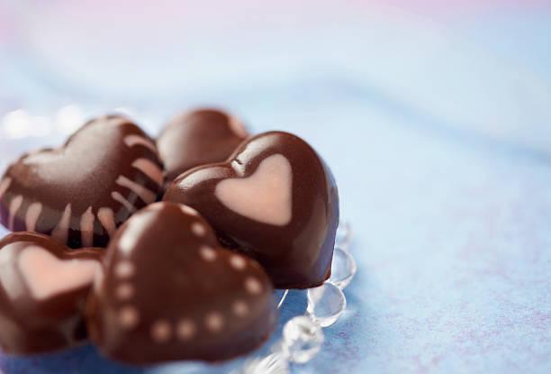 Heart chocolates:スマホ壁紙(壁紙.com)