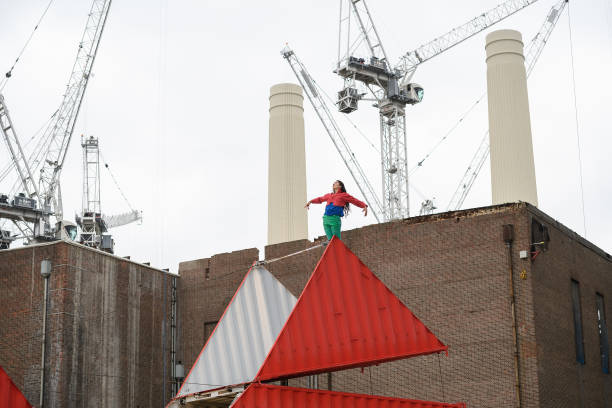 Origami「London's Dance Umbrella Festival Launched At Battersea Power Station」:写真・画像(14)[壁紙.com]