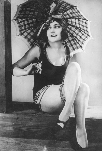 Umbrella「Twenties Costume」:写真・画像(10)[壁紙.com]