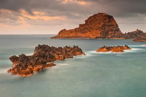 Porto Moniz「Rocky coastline, Porto Moniz, Madeira, Portugal」:スマホ壁紙(7)