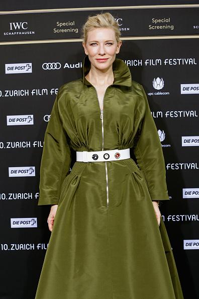 Green Color「'Blue Jasmine' Green Carpet Arrivals - Zurich Film Festival 2014」:写真・画像(17)[壁紙.com]