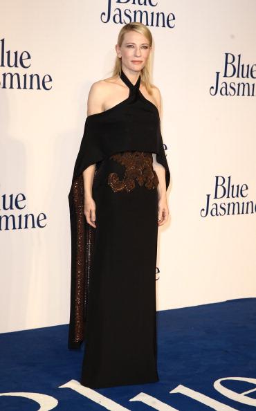 """Halter Top「""""Blue Jasmine"""" - UK Film Premiere - Red Carpet Arrivals」:写真・画像(2)[壁紙.com]"""