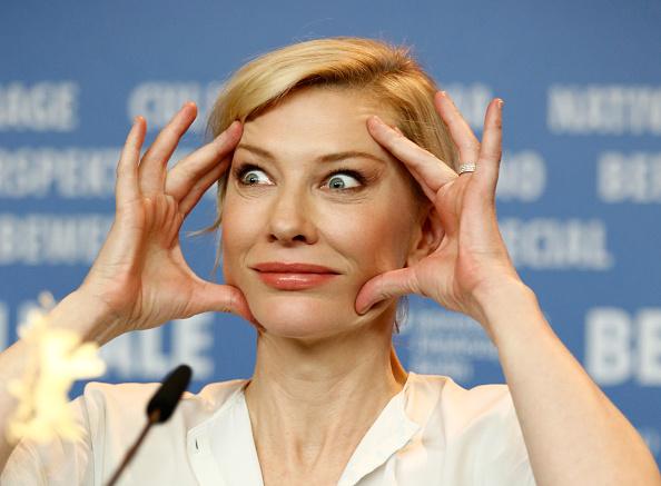 Making A Face「'Cinderella' Press Conference - 65th Berlinale International Film Festival」:写真・画像(1)[壁紙.com]
