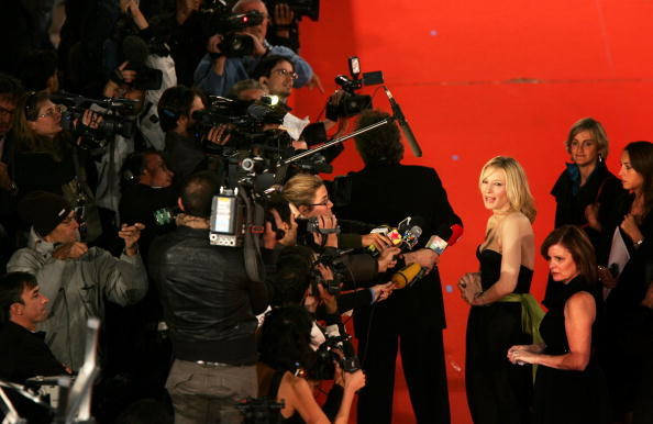 Film Premiere「2nd Rome Film Festival - Elizabeth: The Golden Age - Premiere」:写真・画像(12)[壁紙.com]