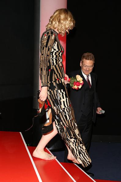 Barefoot「'Cinderella' Premiere - 65th Berlinale International Film Festival」:写真・画像(8)[壁紙.com]