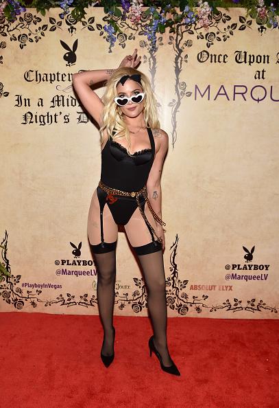 Metallic Belt「Halsey Hosts Playboy's Midsummer Night's Dream At Marquee Nightclub」:写真・画像(19)[壁紙.com]