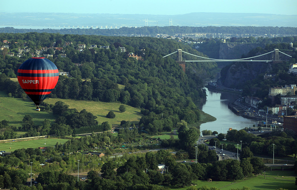 Dawn「Enthusiasts Take To The Skies For The Bristol Balloon Fiesta」:写真・画像(11)[壁紙.com]