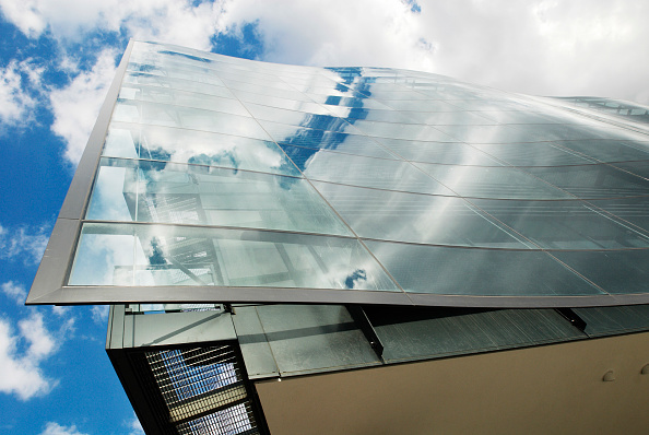Kings Place「Kings Place, £100 million mixed-use arts and office complex designed by Dixon Jones Architects, York Way, Kings Cross, London, UK」:写真・画像(0)[壁紙.com]