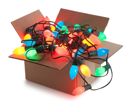 Christmas Lights「Cardboard Box Of String of Tangled Illuminated Christmas Lights Isolated」:スマホ壁紙(11)