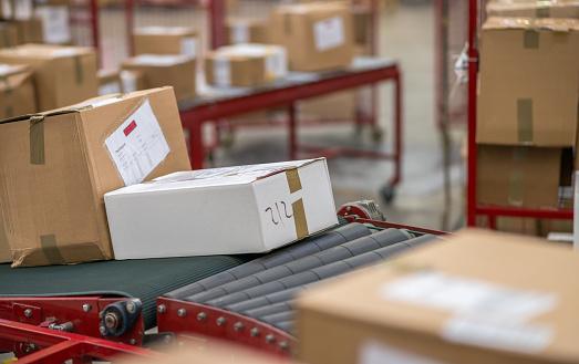 Post - Structure「Cardboard Boxes Package On Conveyor Belt」:スマホ壁紙(7)