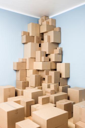 Corner「Cardboard boxes stacked in corner of room」:スマホ壁紙(16)