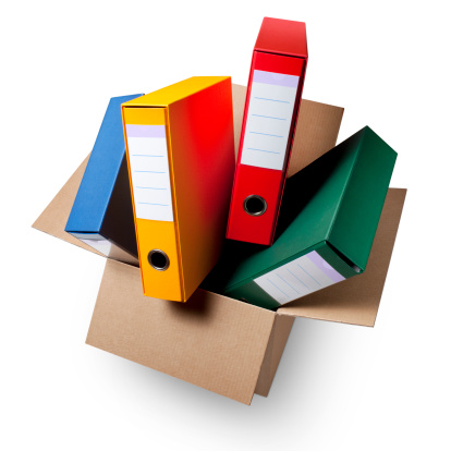 Receiving「Cardboard box with ring binders.」:スマホ壁紙(7)