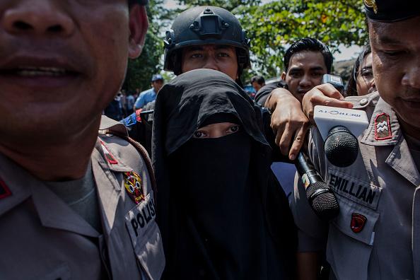 女「Indonesia Prepares For Third Round Of Drug Executions」:写真・画像(1)[壁紙.com]