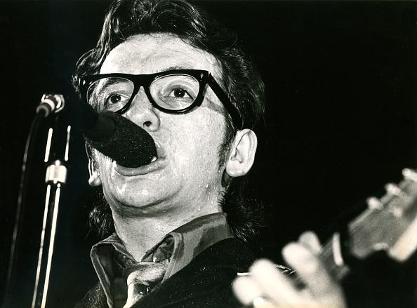Elvis Costello「Elvis Costello」:写真・画像(9)[壁紙.com]