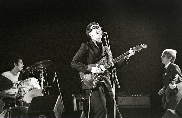 Elvis Costello「Elvis Costello And The Attractions」:写真・画像(3)[壁紙.com]
