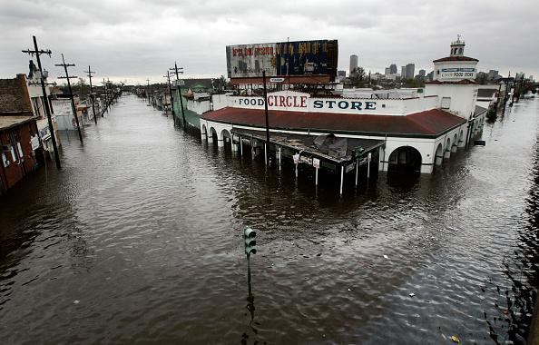 Pensacola「Hurricane Katrina Hits The Gulf Coast」:写真・画像(9)[壁紙.com]