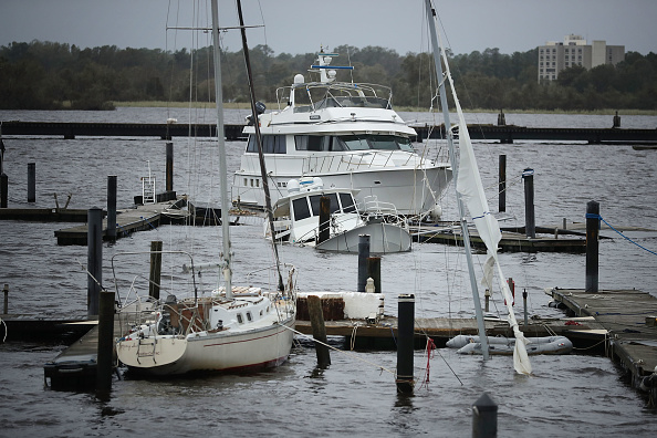 Chip Somodevilla「Carolinas' Coast Line Recovers From Hurricane Florence, As Storm Continues To Pour Heavy Rain On The States」:写真・画像(9)[壁紙.com]