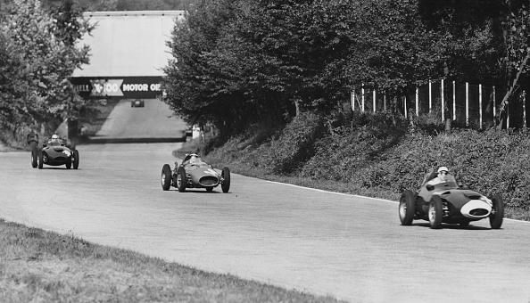 1958「Moss Leads Hawthorn And Lewis-Evans」:写真・画像(1)[壁紙.com]