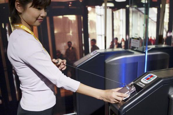 Conference Phone「NTT DoCoMo Announces Launch Of Mobile Wallet Service」:写真・画像(7)[壁紙.com]