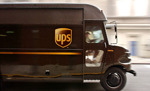 Holiday Rush Hits UPS In New York:ニュース(壁紙.com)