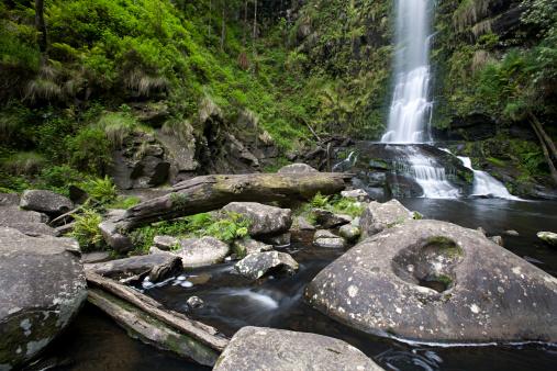 Erskine Falls「small water fall, rocks and green vegetation」:スマホ壁紙(0)