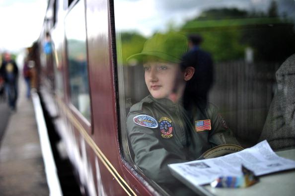 Recreational Pursuit「Enthusiasts Take Part In East Lancashire Railway's 1940s Re-enactment Weekend」:写真・画像(14)[壁紙.com]