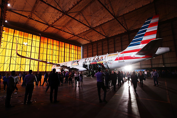 "LAX Airport「American Airlines, Stand Up To Cancer, And Marvel Studios' ""Avengers: Infinity War"" Unveil Custom-Wrapped Plane - Arrivals」:写真・画像(19)[壁紙.com]"