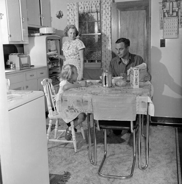 Kitchen「Family Breakfast」:写真・画像(17)[壁紙.com]