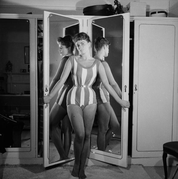 Bedroom「Reflected Collins」:写真・画像(12)[壁紙.com]