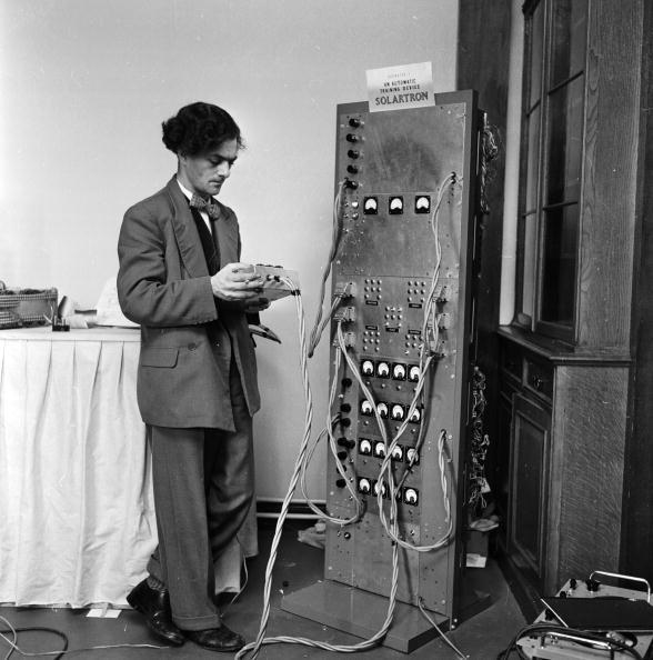 Harry Kerr「Robot Schoolmaster」:写真・画像(16)[壁紙.com]