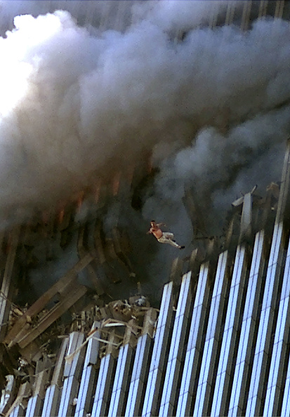 September 11 2001 Attacks「World Trade Center Hit in Terrorist Attack」:写真・画像(10)[壁紙.com]