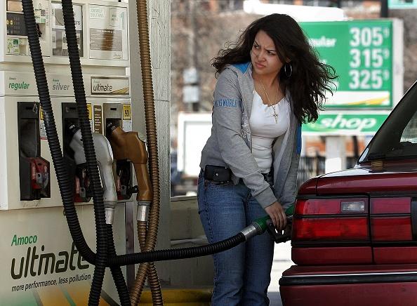 Industry「Oil Drives Gasoline Prices Higher」:写真・画像(9)[壁紙.com]