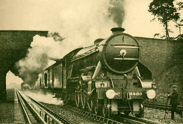 Finance and Economy「A Pacific Engine Picking Up Water At The Rate Of 2500 Gallons In Ten Seconds - London And North  Creator: Unknown」:写真・画像(15)[壁紙.com]