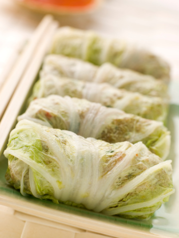 Chili Sauce「Steamed Pork and Vegetable Cabbage Rolls With Sweet Chili Sauce」:スマホ壁紙(9)
