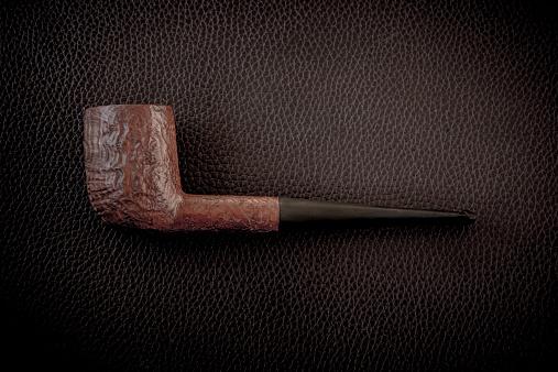 Pipe - Smoking Pipe「Close-up view of old pipe」:スマホ壁紙(2)