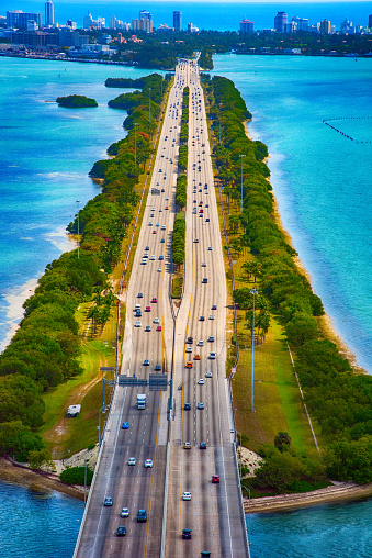 Miami Beach「高速道路とビスケーン湾を渡る橋」:スマホ壁紙(3)